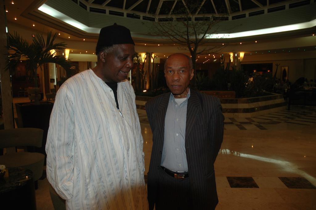 Théophile Obenga (adjoint Cheik Anta Diop) et José Pentoscrope
